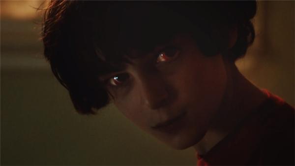 Cameron - cậu bé 11 tuổi là nạn nhân của con quỉ độc ác đến từ quá khứ.