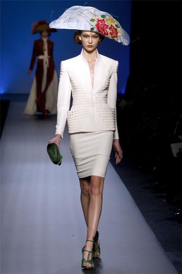 Đã đến lúc gói xôi lá chuối cũng đi vào làng thời trang cao cấp
