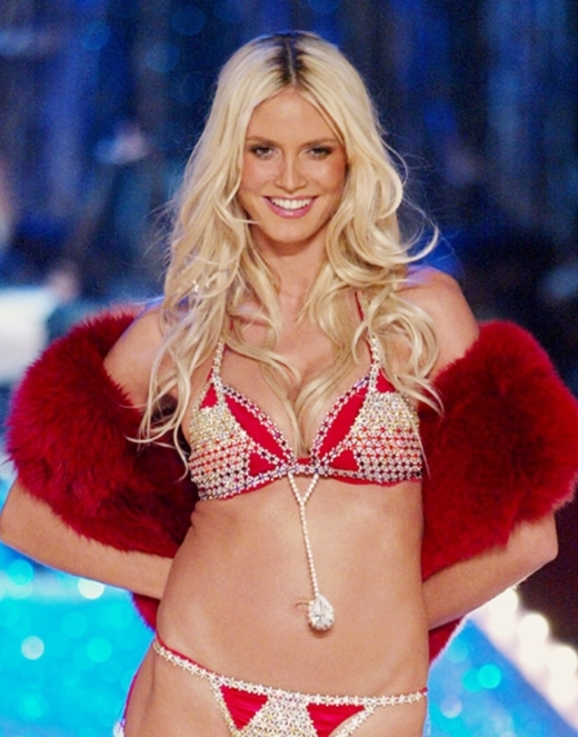 Đúng như tên gọi, bộ Very Sexy cực kỳ quyến rũnăm 2003 có giá 11 triệu đô.