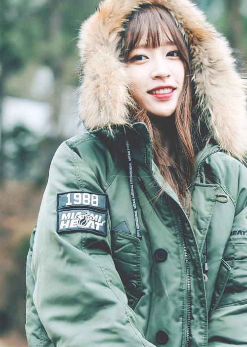 Làn da trắng không tì vết giúp Hani trở thành một trong những gương mặt xinh xắn nhất Kpop. Đặc biệt, Hani cho biết cô chưa từng phẫu thuật thẩm mỹ. - Tin sao Viet - Tin tuc sao Viet - Scandal sao Viet - Tin tuc cua Sao - Tin cua Sao