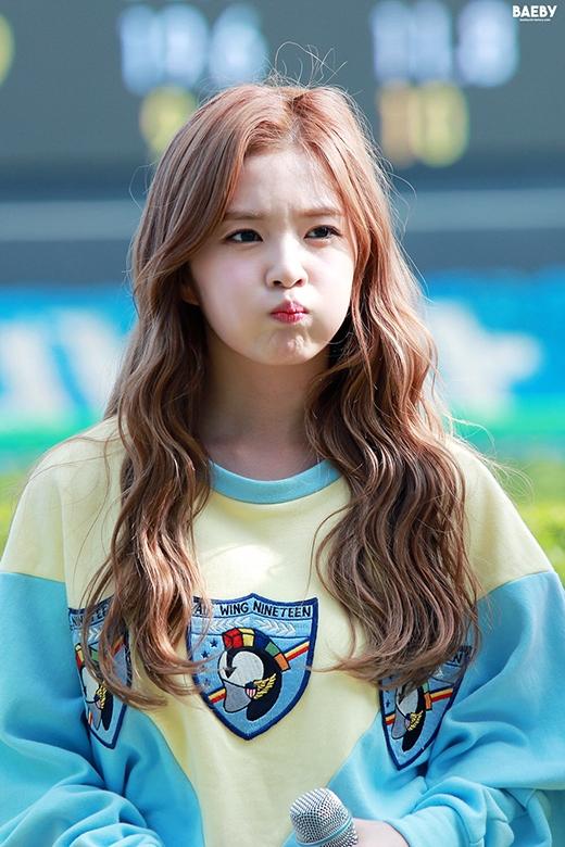 Irene dễ thương tuyệt đối khi phồng má, chu môi