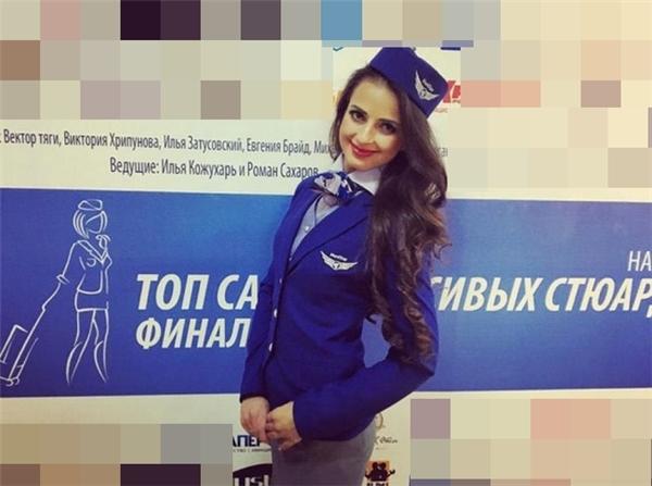 """Lại thêm nữ tiếp viên hàng không Nga khiến dân mạng """"đổ gục"""""""