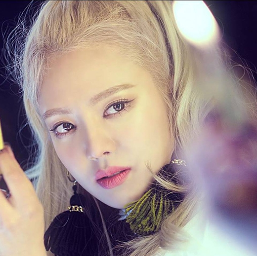 Hình tượng được đầu tư của cô trong MV hứa hẹn sẽ gây bão trong cộng đồng fan.