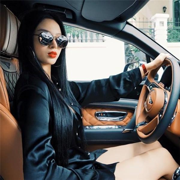 """Chiếc siêu xe """"hàng hiếm"""" trị giá 21 tỉ đồng của cô hot girl ngày nào.(Ảnh: Internet)"""