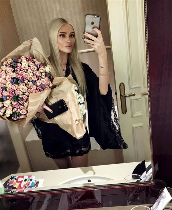 Xôn xao cuộc tình mới công khai của con trai tỉ phú và người mẫu Nga