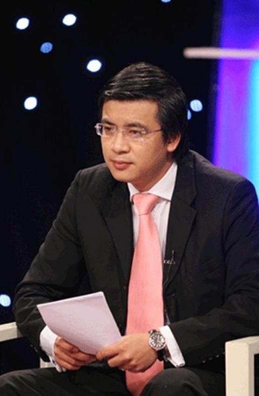 BTV Quang Minhđược khán giả yêu thích bởingoại hình điển trai, nụ cười ấm áp, giọng nói truyền cảm và phong cách dẫn chương trình vô cùng chuyên nghiệp.