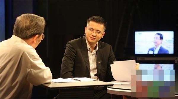 Năm 2014, BTV Quang Minhchuyển sang đảm nhận chương trình Vấn đề hôm nay,chuyên mục Thời sự và hội nhập, Vấn đề nóng.