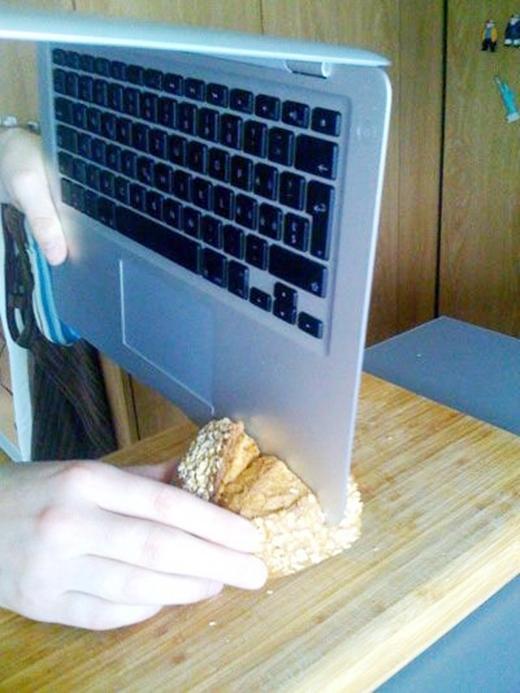 Mỏng đến cỡ này thì cắt bánh mì thay dao cũng được.