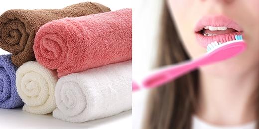 Sử dụng khăn mềm, hoặc bàn chải chà nhẹ lên môi...