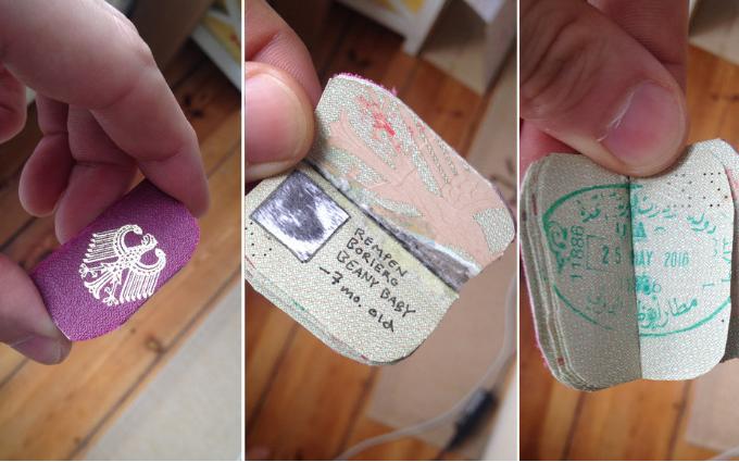 """Quyển hộ chiếu bé xíu của """"Beany Baby"""".(Ảnh: Reddit)"""