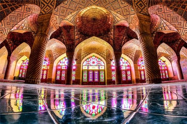 Thánh đường Hồi giáoNasir Al-Mulk ở Iran.