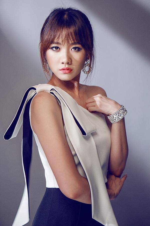 Hari Won tiếp tục ghi điểm với phong cách thời trang ngày càng ổn định - Tin sao Viet - Tin tuc sao Viet - Scandal sao Viet - Tin tuc cua Sao - Tin cua Sao