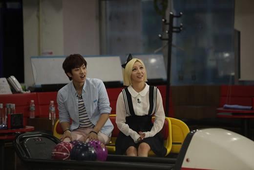 Anh chàng còn khiến nhiều người ghen tị khi có đoạn tình cảm ngọt ngào cùng Min (Miss A) trong We Got Married Global.