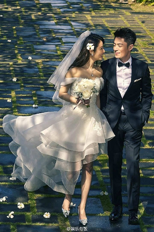 """Cặp đôi """"tiên đồng - ngọc nữ"""" Hoắc Kiến Hoa - Lâm Tâm Như trong ảnh cưới."""