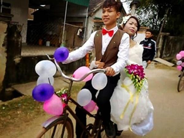 """Còn nhiều lắm những loại xe rước dâu khác nhau mà cô dâu chú rể có thể nghĩ ra. Nếu mà """"bí quá"""" thì các anh các chị cứ dùng xe đạp chạy cho """"hoài niệm"""" mà lại khỏe chân, khỏe tay.(Ảnh: Internet)"""