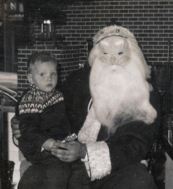 """""""Qủa"""" mặt nạ gây hoang mang nhất mùa Noel những năm một nghìn chín trăm hồi đó."""
