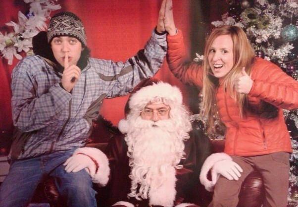 """""""Troll"""" ông già Noel một chút."""
