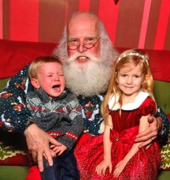 À, hóa ra đây là lí do Ông già Noel luôn đội mãi chiếcmũ ấy suốt mấy trăm năm nay.
