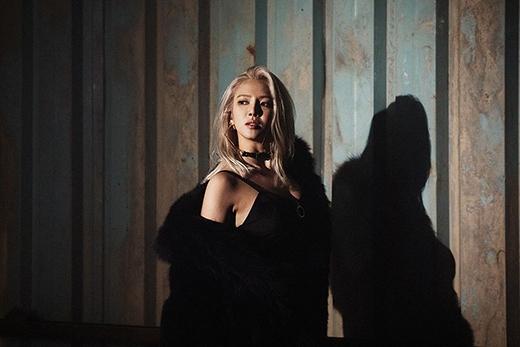 Hyoyeon ra mắt MV trước đó ít ngày, Jessica liền tung teaser giới thiệu cho MV mới. Đây có là một sự trùng hợp hay thật sự giữa các thành viên có mối liên kết nào đó.