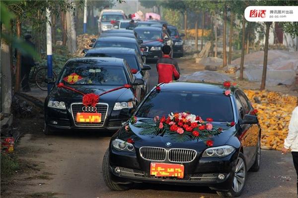 Ngày nay, xe rước dâu trong tiệc cưới của người dân Trung Quốc đều phải là những dòng xe xa xỉ, thương hiệu, đẳng cấp như BMW, Bentley, Lexus...
