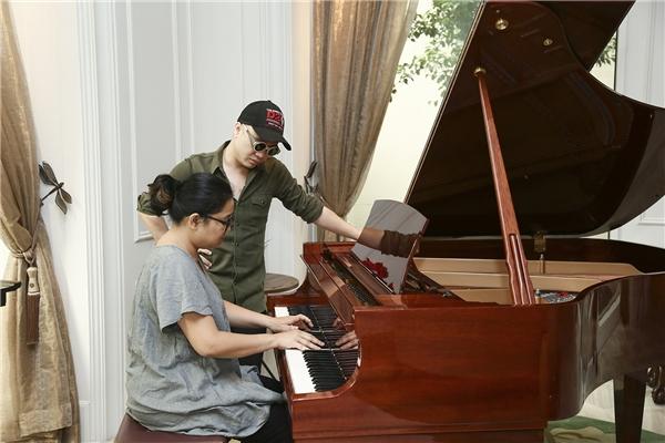 Phó An My cũng được biết đến là một người có tính cách đời thường lẫn âm nhạc vô cùng đặc biệt, nặng tính nghệ sĩ và chiều chuộng cảm xúc.