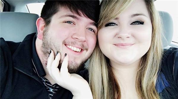 Cặp đôi hiện đang gây sốt cộng đồng mạng.