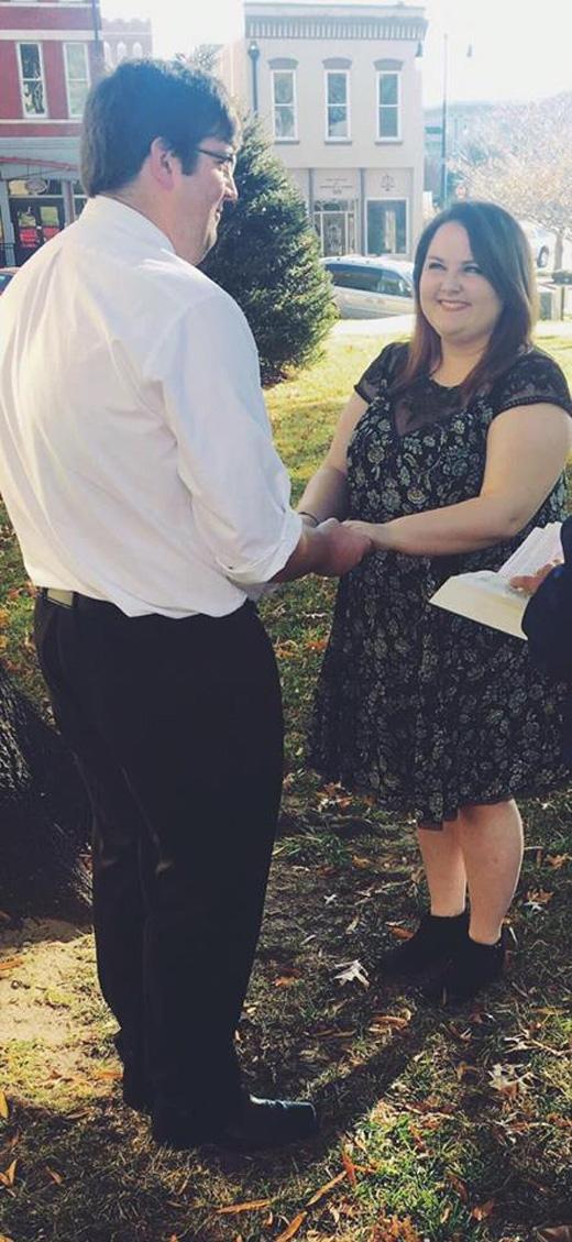 Đám cưới giản dị nhưng hạnh phúc của cặp đôi.