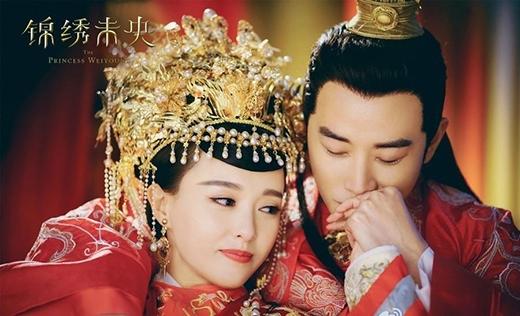 Fan nức lòng với cảnh tình cảm của cặp đôi trong phim.