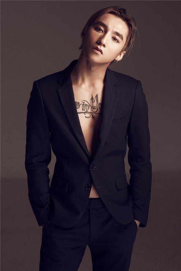Trong vòng 3 năm qua, Sơn Tùng đã có nhiều bước ngoặt phát triển cả trong sự nghiệp và hình ảnh giúp anh trở thành 1 gương mặt hot được nhiều nhãn hàng lựa chọn.