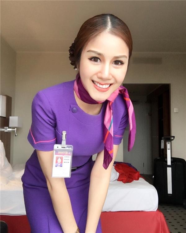Nụ cười thân thiện khiến ai cũng xiêu lòng của nữ tiếp viên hàng không Thái Lan.