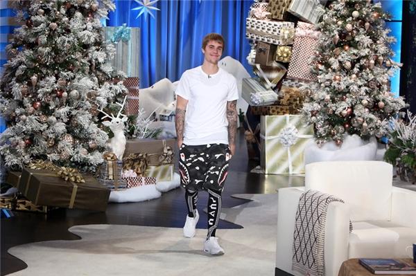 Justin Bieber có lần thứ 26 xuất hiện trên The Ellen DeGeneres Show.