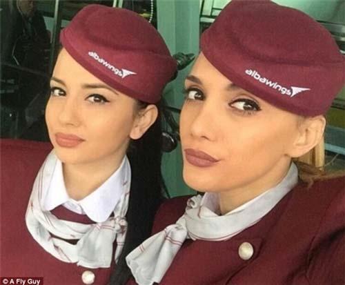 Những nữ tiếp viên hàng không tạiAlbania cũng không hề kém cạnh về nhan sắc.