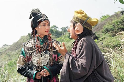La Hữu Huệ đã thể hiện tinh tế một Nữ Vương quan tâm, lo lắng cho thiên hạ.