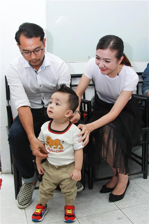 Cận cảnh vẻ đáng yêu của con trai Huỳnh Đông - Ái Châu - Tin sao Viet - Tin tuc sao Viet - Scandal sao Viet - Tin tuc cua Sao - Tin cua Sao