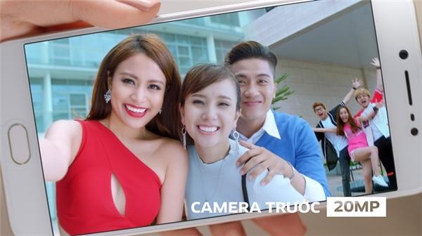 Hoàng Thùy Linh đẹp rạng rỡ trong TVC đầu tiên của sự nghiệp - Tin sao Viet - Tin tuc sao Viet - Scandal sao Viet - Tin tuc cua Sao - Tin cua Sao