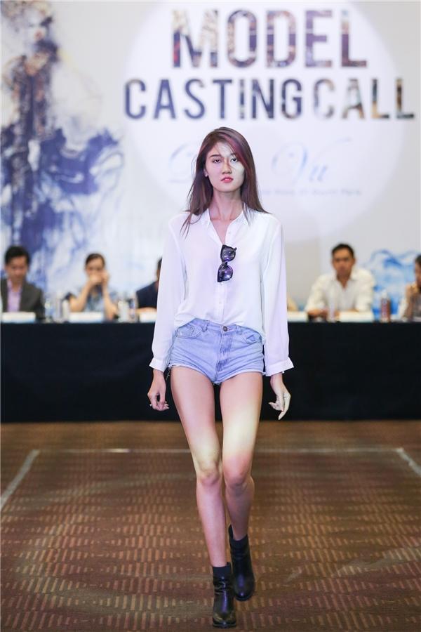 Ngọc Châu Top Model tự tin khoe mặt mộc đẹp không kém hoa hậu