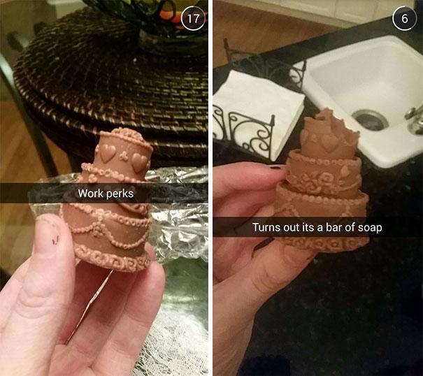 Mới nhìn cứ tưởng socola. Cắn vào một miếng… hóa ra xà phòng.
