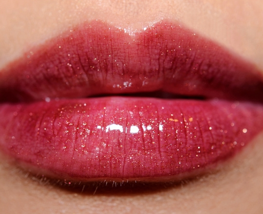 """Trào lưu môi căng mọng sẽ khiến các cô gái """"đứ đừ"""""""
