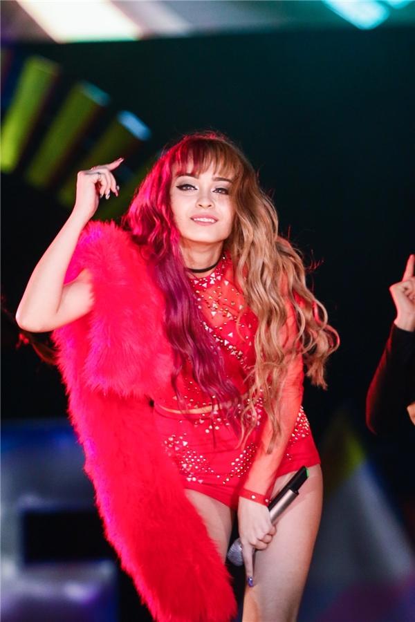 MLee lần đầu nhá hàng single mới cùng ca sĩ Hàn điển trai - Tin sao Viet - Tin tuc sao Viet - Scandal sao Viet - Tin tuc cua Sao - Tin cua Sao