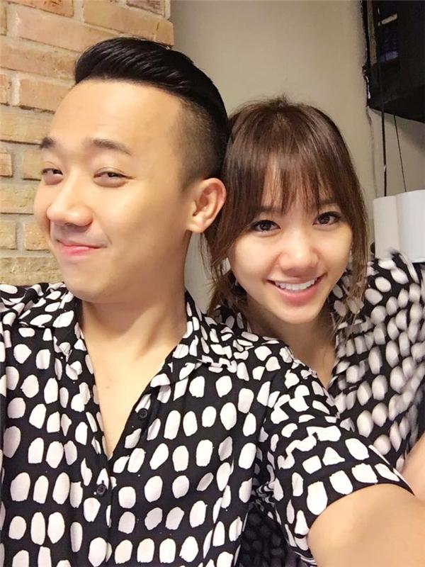MC Trần Thành đăng tải ảnh vui vẻvới bạn gái trên trang cá nhân. - Tin sao Viet - Tin tuc sao Viet - Scandal sao Viet - Tin tuc cua Sao - Tin cua Sao