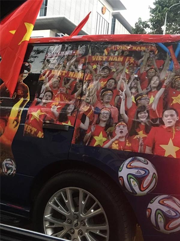 Muôn màu cách tiếp lửa của CĐV Việt Nam trước trận bán kết sống còn