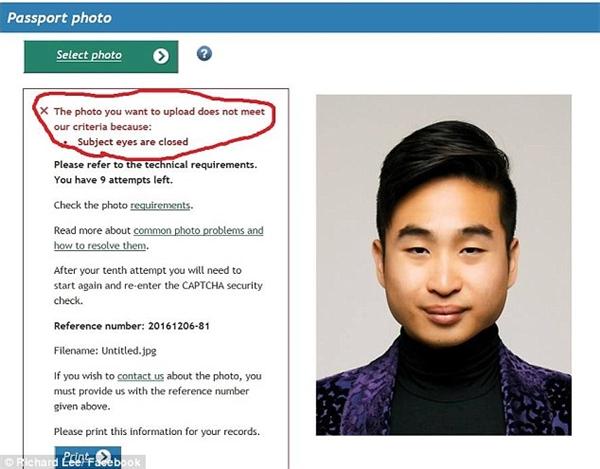 Tấm ảnh Richard đã nộp vào hệ thống tự động và thông báo lỗi anh nhận lại