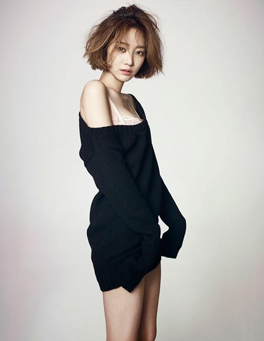 Một Go Jun Hee tự tin đầy quyến rũ không chỉ là hình mẫu lý tưởng của các chàng trai mà còn là mục tiêu hướng đến của rất nhiều cô gái trẻ hiện nay.