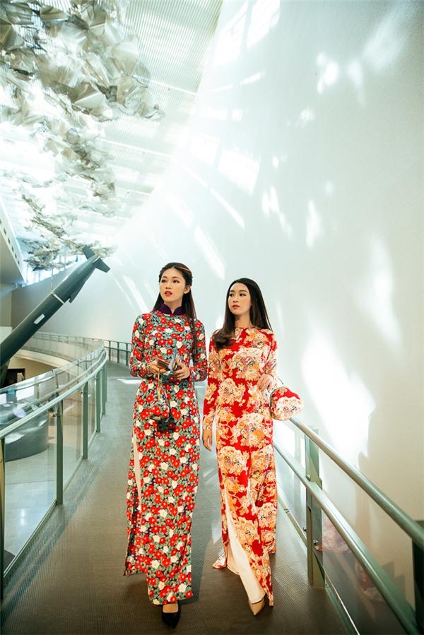Vừa qua, Hoa hậu Mỹ Linh và Á hậu Thanh Tú đã đến thăm thành phố Nagasaki, Nhật Bản. Đây là điểm tham quan thu hút du khách với ý nghĩa lịch sử và không khí bình yên, hiền hoà.