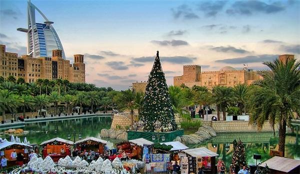Có gì vui khi đón Giáng sinh ở thành phố Hồi giáo?