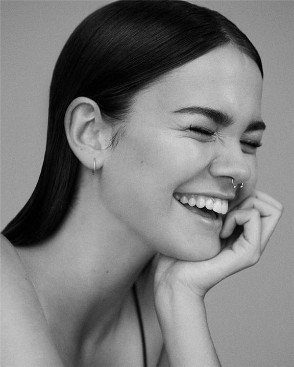 """""""Nếu Selena Gomez và Kendall Jenner có con với nhau, thì đó chắc chắn là Maia Mitchell,"""" một cư dân mạng hóm hỉnh bình luận."""