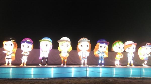Nhóm SNSD với 9 cô gái cá tính.