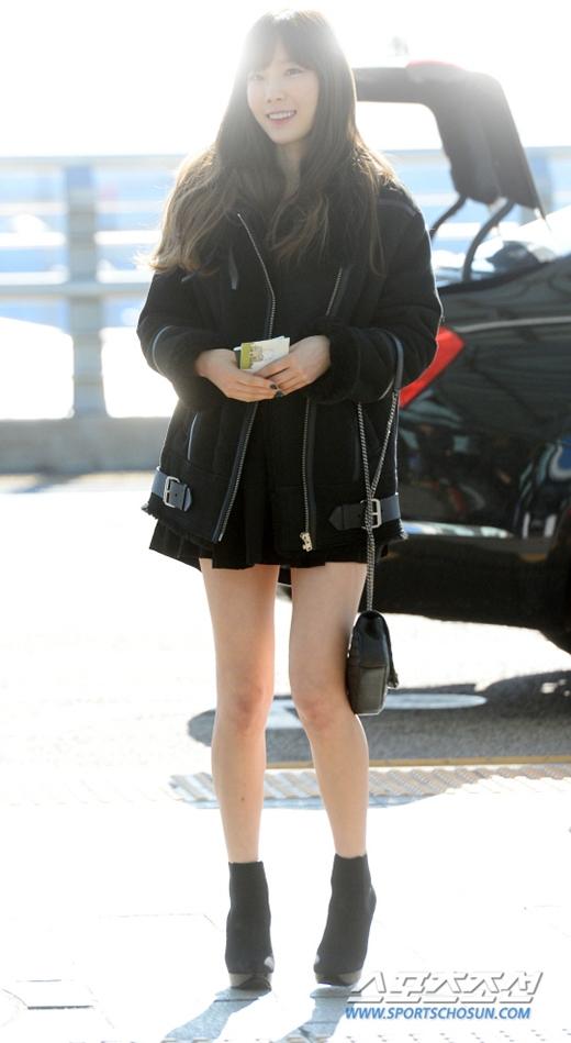 Taeyeon vốn nhỏ người nay lại gầy đi trông thấy khiến ai của cô không khỏi xót xa cho thần tượng.