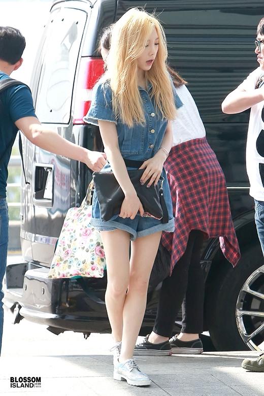 Nhiều fan cho rằng càng ngày Taeyeon càng sút cân, bằng chứng là đôi chân ốm hẳn đi
