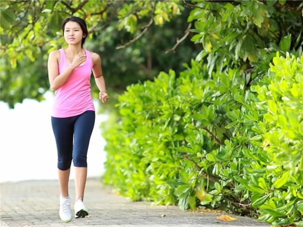 Dành ít thời gian để tập luyện thể thao sẽ rất tốt cho sức khỏe. (Ảnh: Internet)